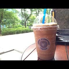 Photo taken at EDIYA COFFEE by jiyun s. on 5/24/2012
