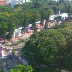 Photo taken at Le Van Tam Park by Duc N. on 3/17/2012