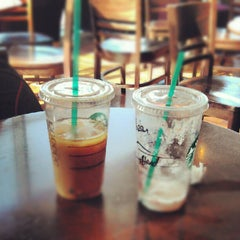 Photo taken at Starbucks by Kozan D. on 7/24/2012