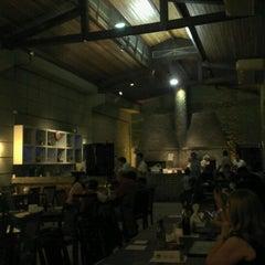 Photo taken at Cia. Paulista de Pizza by Gilton P. on 7/1/2012