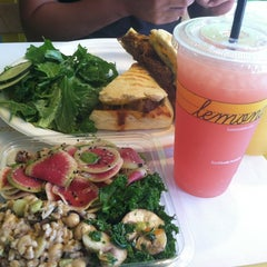 Photo taken at Lemonade Venice by Rosemary B. on 7/6/2012