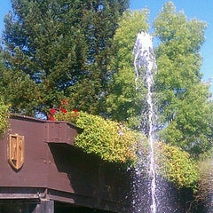 Photo taken at Rodney Strong Vineyards by Rich R. on 7/30/2012