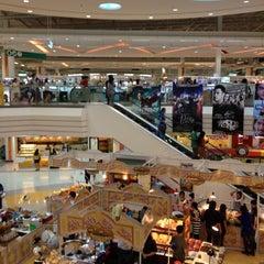 Photo taken at Plus Shopping Mall (พลัส ช้อปปิ้งมอลล์) by OFF_SCUBA 6. on 5/10/2012