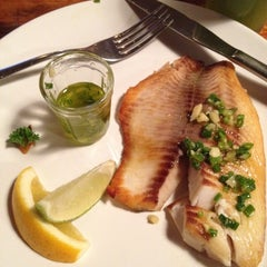 Photo taken at Market Ipanema Café e Restaurante by Daren M. on 6/6/2012