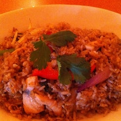 Photo taken at Siam Square Thai Cuisine by Erin C. on 3/17/2011