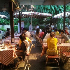 Photo taken at Pisa Kafe by Andi H. on 5/27/2012