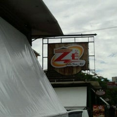 Photo taken at Restaurante do Zé by Rafaela C. on 1/28/2012