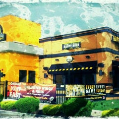 Photo taken at Buffalo Wild Wings by Kevin E. on 1/3/2012