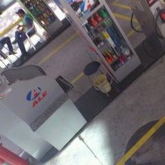 Photo taken at Posto ALE by Tércio M. on 4/21/2012