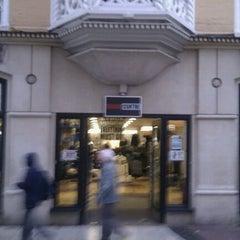 Photo taken at Brand Centre by John 忠威 Hans D. on 11/9/2011