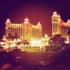 Photo taken at Galaxy Macau 澳門銀河渡假綜合城 by Jan S. on 7/21/2012