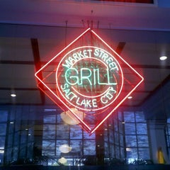 Photo taken at Market Street Grill by les g. on 11/3/2011