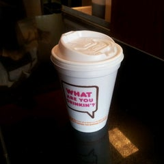 Photo taken at Dunkin' Donuts by Joshua L. on 7/15/2012
