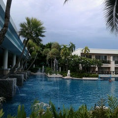 Photo taken at Sheraton Hua Hin Resort & Spa by Jenniifer A. on 8/18/2012