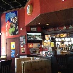 Photo taken at Buzzbrews by Ravi K. on 2/21/2012