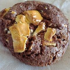 Das Foto wurde bei Blue Chip Cookies von Cindy C. am 8/12/2012 aufgenommen
