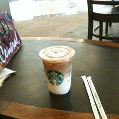 Photo taken at Starbucks (สตาร์บัคส์) by Nadear N. on 4/1/2012