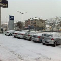 Photo taken at Akbak Hyundai Plaza by Hazar P. on 4/8/2012