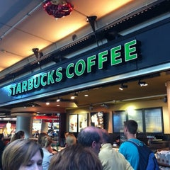 Photo taken at Starbucks by Frank d. on 5/25/2012