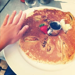 Photo taken at Hash House a Go Go by Ashley on 6/29/2012