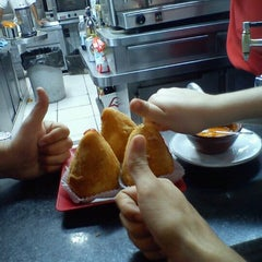 Photo taken at BH Lanches by Bruno N. on 2/13/2012