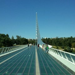 Photo taken at Sundial Bridge at Turtle Bay Exploration Park by Ramana R. on 8/14/2011