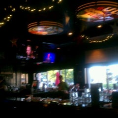 Photo taken at TGI Fridays by Patricia W. on 9/27/2011