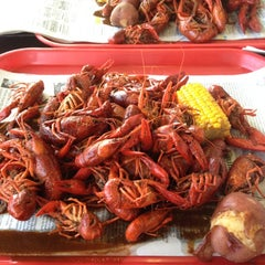 Photo taken at Ragin Cajun by Allison M. on 4/6/2012