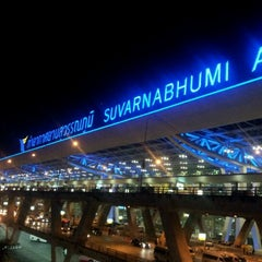 Photo taken at Suvarnabhumi Airport (BKK) ท่าอากาศยานสุวรรณภูมิ by UltimaTUM® on 3/19/2012