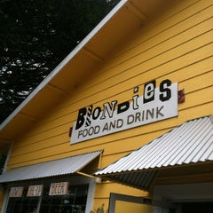 Photo taken at Blondies Food and Drink by Jorge A. on 11/14/2011
