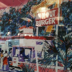 Photo taken at In-N-Out Burger by J.R. A. on 3/7/2012