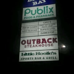 Photo taken at Outback Steakhouse by Matthew W. on 1/14/2012