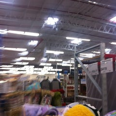 Photo taken at Sam's Club by Ricardo C. on 11/14/2011