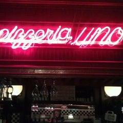 Photo taken at Uno Pizzeria & Grill - Forest Hills by Sophia P. on 1/19/2012
