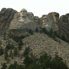 Photo taken at Mount Rushmore National Memorial by Meshi D. on 8/15/2012