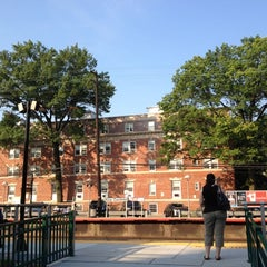 Photo taken at LIRR - Kew Gardens Station by Donfico on 8/3/2012