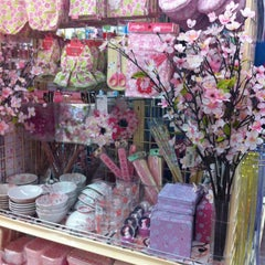 Photo taken at Daiso (ไดโซ) by N⚓️Ng🌺 N. on 4/22/2012