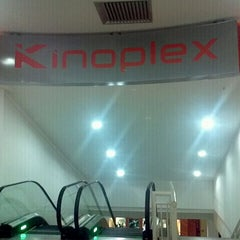Photo taken at Kinoplex by Helio A. on 5/12/2011
