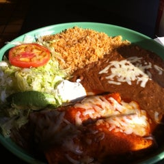 Photo taken at Mamita's Mexican Grill by Edgar R. on 11/6/2011