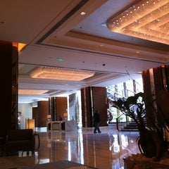 Photo taken at 北京嘉里大酒店 Kerry Hotel by Tom G. on 9/13/2012