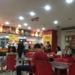 Photo taken at QG Jeitinho Caseiro by Ubirajara O. on 5/17/2012