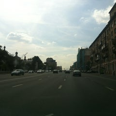 Photo taken at Ленинский проспект by СЕРГЕЙ🇷🇺🇮🇹🇺🇸 on 8/6/2012