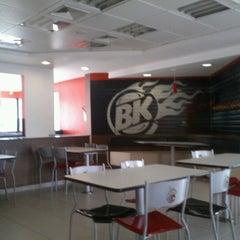 Photo taken at Burger King by Murilo B. on 7/12/2012