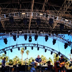 Photo taken at Coachella Outdoor Theatre by Kayvon T. on 4/21/2012