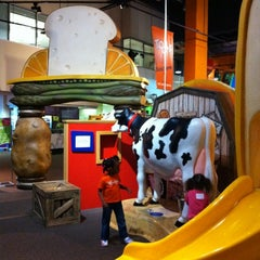 Photo taken at The Children's Museum of Atlanta by Angelina B. on 3/30/2012