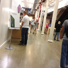 Photo taken at Apple Store (Temp Location) by Carlitos' W. on 7/8/2012