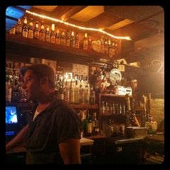 Photo taken at Patrick Henry's Pub & Grille by gungho guides g. on 9/5/2011