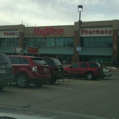 Photo taken at Hy-Vee by Bj H. on 11/12/2011