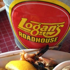 Photo taken at Logan's Roadhouse by Carter H. on 5/3/2012