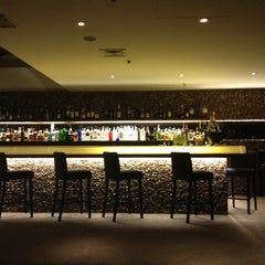 Photo taken at Restaurante Arola Vintetres by Nel G. on 7/20/2012